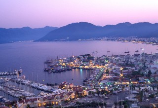 18 Jun 2002, Marmaris, Turkey --- Boats Docked at Marinas on Waterfront --- Image by © Atlantide Phototravel/Corbis